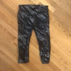 Gap fit Capri leggings